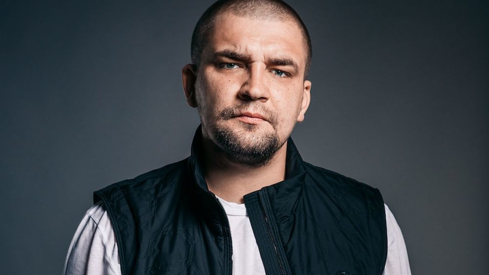 Баста пригласил иностранцев на День города в Ростов и пообещал и пообещал зажечь на сцене