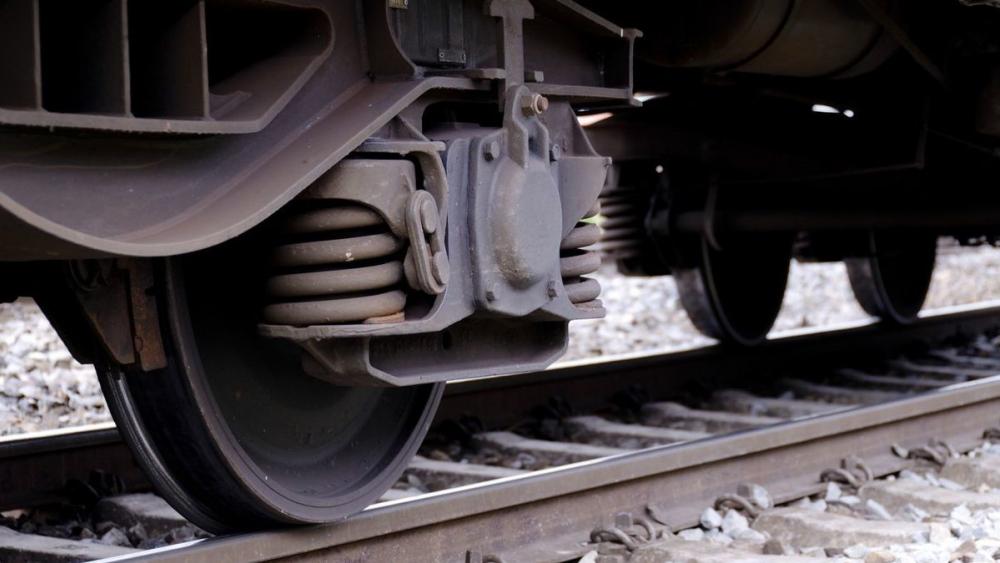 40-летний мужчина погиб под колесами поезда