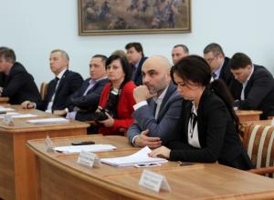 Итоги 2017, ларьки на Азовском рынке, строительство новой модульной поликлиники – новочеркасская дума провела очередное заседание