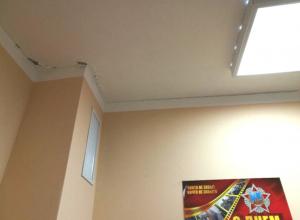 Опасные повреждения возникли на стенах и потолках детсада №3 в Новочеркасске
