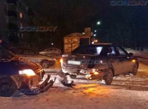 Три автомобиля пострадали в ДТП на улице Заводской в Новочеркасске