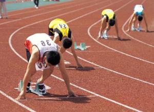 Новочеркасцы выиграли пять медалей на юношеских областных соревнованиях по легкой атлетике