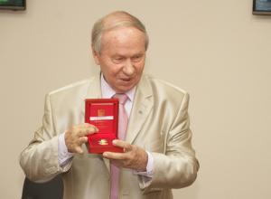 Генеральный директор новочеркасского Центра тренажеростроения получил медаль
