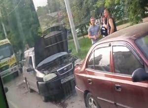 В ДТП на улице Ермака столкнулись 4 автомобиля и автобус