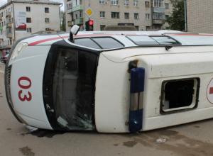 В Новочеркасске, после столкновения со скорой помощью, ВАЗ-2114 сбил 15-летнюю девушку