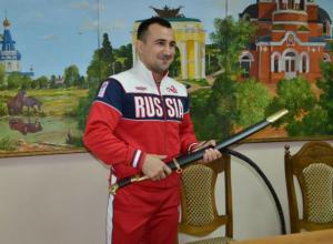 Харизматичного борца Юрия Денисова поздравили в Новочеркасске с золотом Кубка Мира