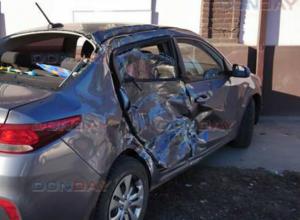 Лихач за рулем маршрутки уничтожил «Киа Рио» и отправил на больничную койку ее хозяйку в Новочеркасске