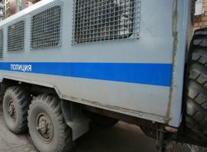 Уснувший за рулем водитель опрокинул автозак в Новочеркасске