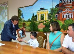Владимир Путин сделал сюрприз пятилетнему Артему из Новочеркасска