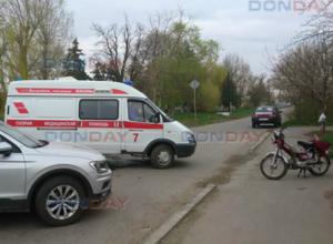 Неуступчивый водитель мопеда пошел на таран внедорожника в Новочеркасске