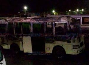 В автопарке Новочеркасска в новогоднюю ночь сгорел автобус