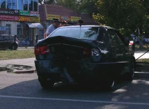 Девушку доставили в больницу Новочеркасска после аварии на проспекте Баклановском