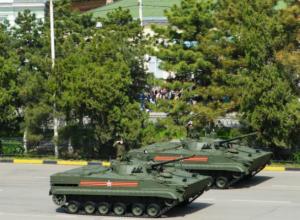 Восхитивший горожан первый военный парад в истории Новочеркасска сняли на видео