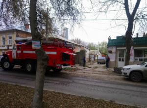 В центре Новочеркасска  пожарные трижды тушили один и тот же дом