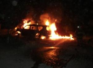 Автомобиль BMW сожгли на улице Первомайской в Новочеркасске