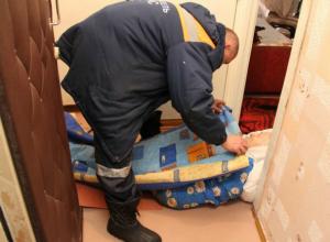 Мертвого пенсионера нашли в многоквартирном доме микрорайона «Октябрьский» Новочеркасска