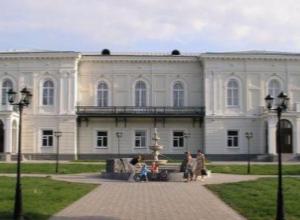 Выставка «Новочеркасск православный в изобразительном искусстве» открылась в Атаманском дворце