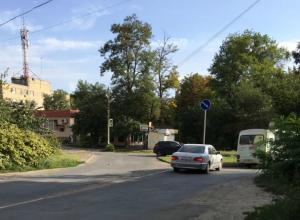«Перекресток улиц Бакунина и Михайловской нуждается в пешеходном переходе», - жительница Новочеркасска