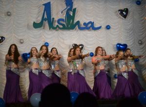 Феерия восточного танца просияла на отчетном концерте новочеркасской студии «Аиша»