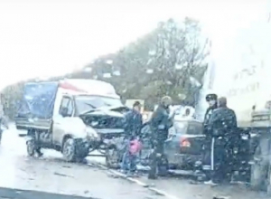 Бешеные гонки в дождливую погоду привели к дорожной аварии под Новочеркасском