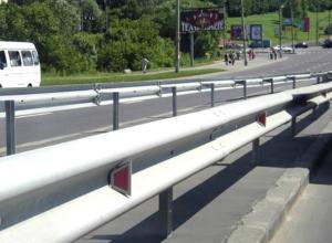 Аварийность на смертельном Харьковском шоссе Новочеркасска решили уменьшить разделительным ограждением