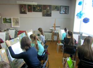 В художественной школе имени Дубовского, в Новочеркасске прошел отборочный этап олимпиады по архитектуре и искусству