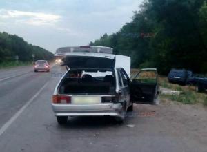 Две «Лады» столкнулись на повороте под Новочеркасском