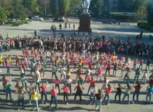 Весенним флешмобом отметили Всемирный день танца в Новочеркасске