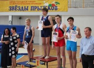 Новочеркасцы завоевали две медали на международном акробатическом турнире «Звезды прыжков»