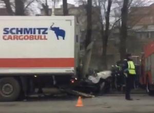 Водитель «Хендай Акцент» погиб в столкновении с фурой «Магнита» в Новочеркасске