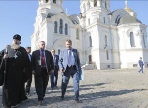 Глава области поручил восстановить брусчатку на Соборной площади Новочеркасска