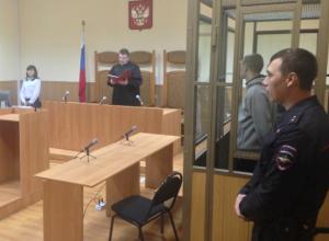 Совершившего жестокое нападение на продавщицу военнослужащего осудили в Новочеркасске