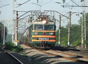 Под Новочеркасском поезд сбил военнослужащего