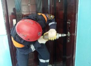 Труп пенсионера обнаружили в запертой квартире на проспекте Баклановском в Новочеркасске