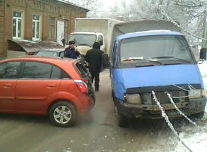 Обычная авария в Новочеркасске закончилась разборками с пистолетом