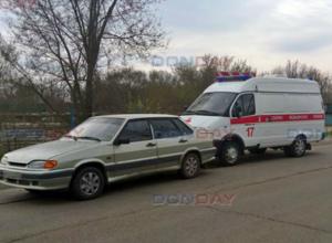 Отвлекшись за рулем, водитель скорой помощи протаранил «пятнадцатую» в Новочеркасске