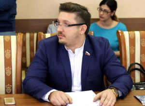 В целом социальная инфраструктура внутри моего округа слаба, - Рыженков