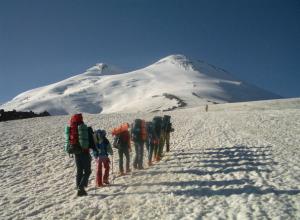 Новочеркасские альпинисты покоряют вершину Эльбруса
