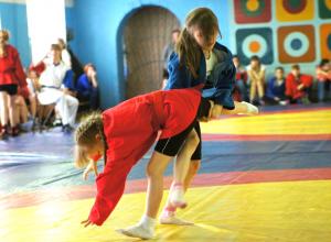 Юная новочеркасская самбистка взяла золотую медаль спартакиады ЮФО