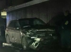 В Новочеркасске автомобиль  охранной фирмы и кроссовер не поделили перекресток