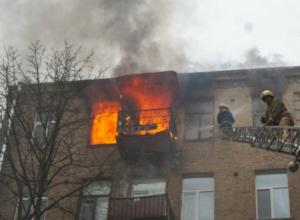 Мужчина попал в больницу после пожара на улице Каштанова Новочеркасска