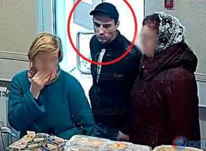 Падкий на сладкое воришка попал на видео в Новочеркасске