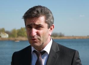 Министр спорта Ростовской области Самвел Аракелян пообщается с жителями Новочеркасска