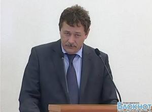 Мэр Новочеркасска попросил граждан не обсуждать городские проблемы на форумах и лавочках