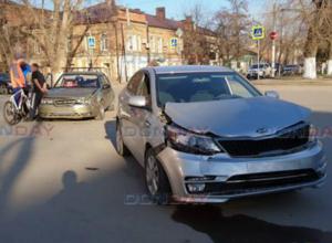 Две иномарки не поделили перекресток в Новочеркасске