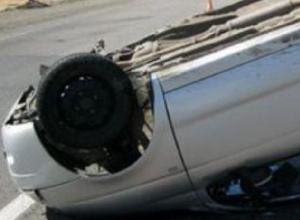 Автомобиль Daewoo Matiz перевернулся при обгоне на спуске Герцена в Новочеркасске