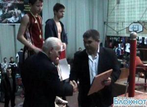 75-летний юбилей отметил известный новочеркасский тренер по боксу
