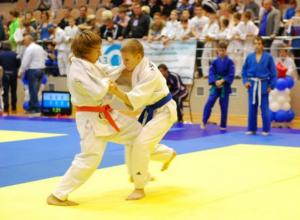 Молодые новочеркасские дзюдоисты взяли пять золотых медалей на региональном турнире