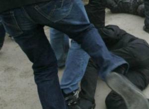 Новочеркасца избили и ограбили в Аюте
