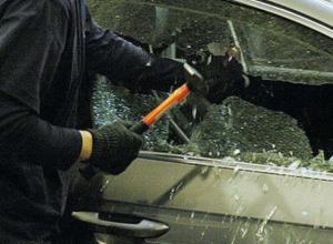 Обчистившего пять автомобилей мужчину задержали под Новочеркасском